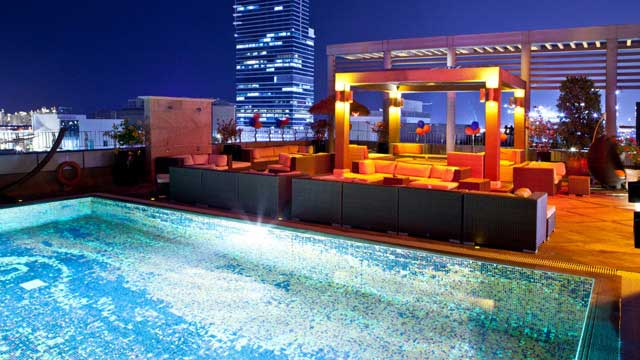 Rooftop bar Tamanya Terrace at Radisson Blu Dubai Media City in Dubai