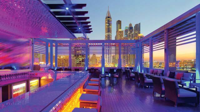 Takbar Tamanya Terrace at Radisson Blu Dubai Media City i Dubai