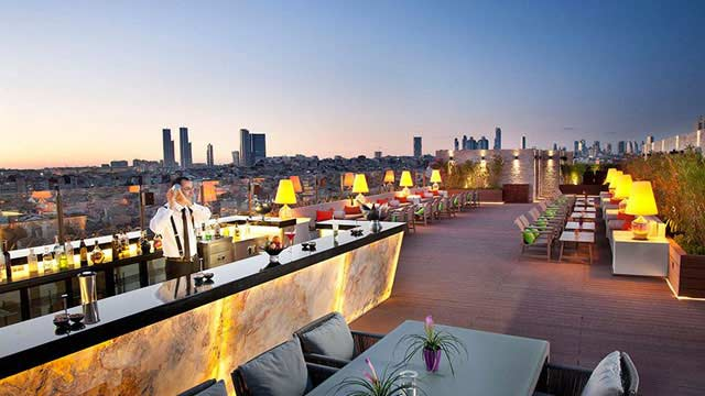 Rooftop bar Istanbul Mixo Terrace in Istanbul