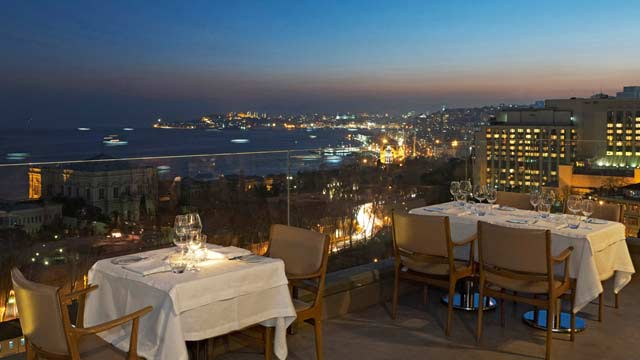 Rooftop bar Istanbul Vogue in Istanbul