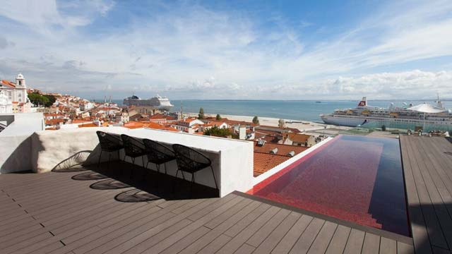 Rooftop bar Lisbon Memmo Alfama Terrace in Lisboa