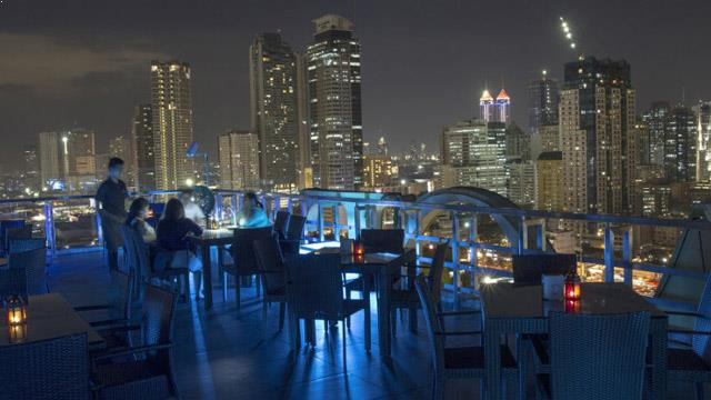 Rooftop bar Manila Sky High Bar at ACE Hotel and Suites in Manila