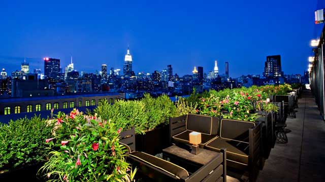 Rooftop in NYC PH-D Rooftop Lounge in New York