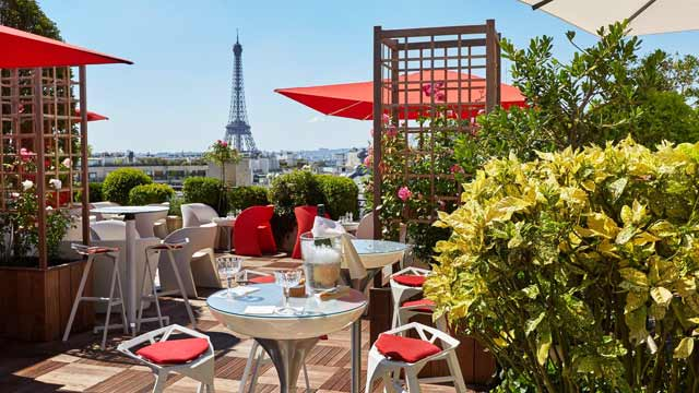 Takbar Paris La Terrasse at Hôtel Raphael i Paris