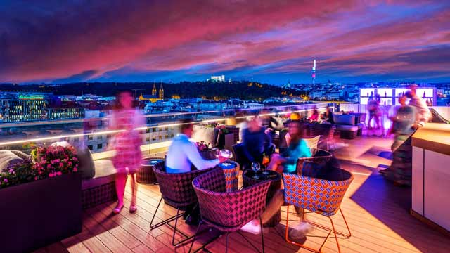Takbar Prag Cloud 9 Sky Bar & Lounge i Prag